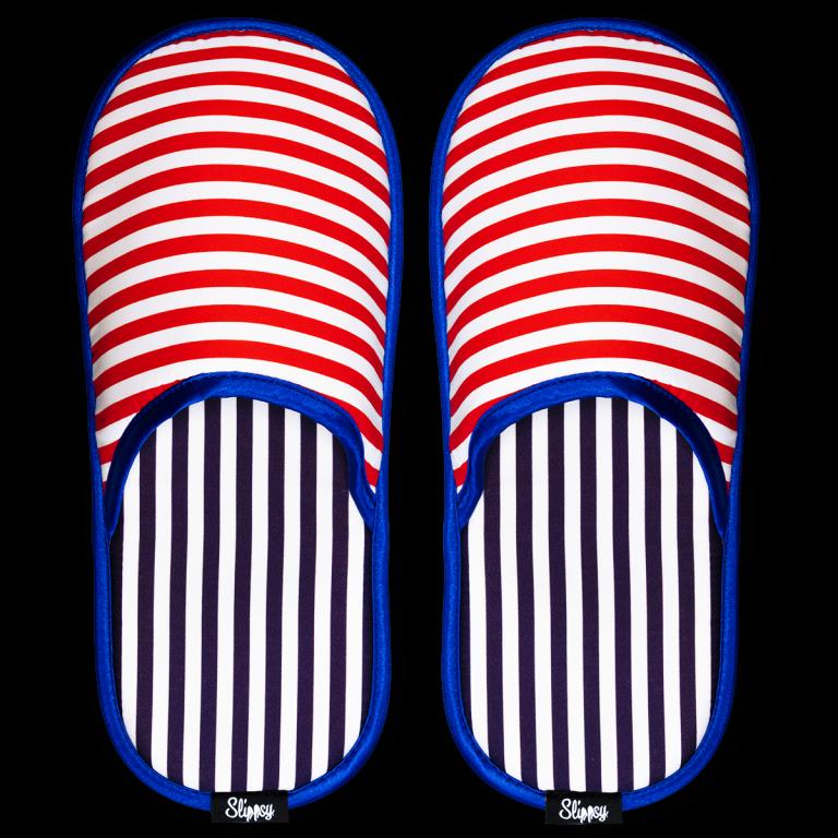 červeno bílé proužkované pantofle